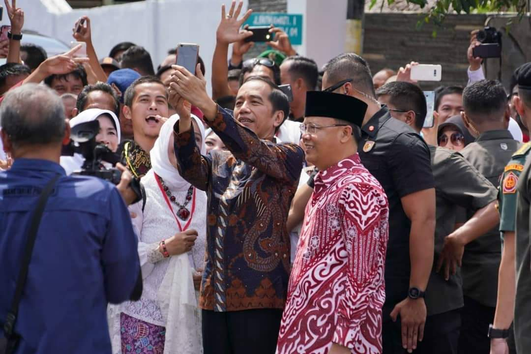 Photo of Rohidin Mersyah Gubernur Bengkulu Yang Piawai