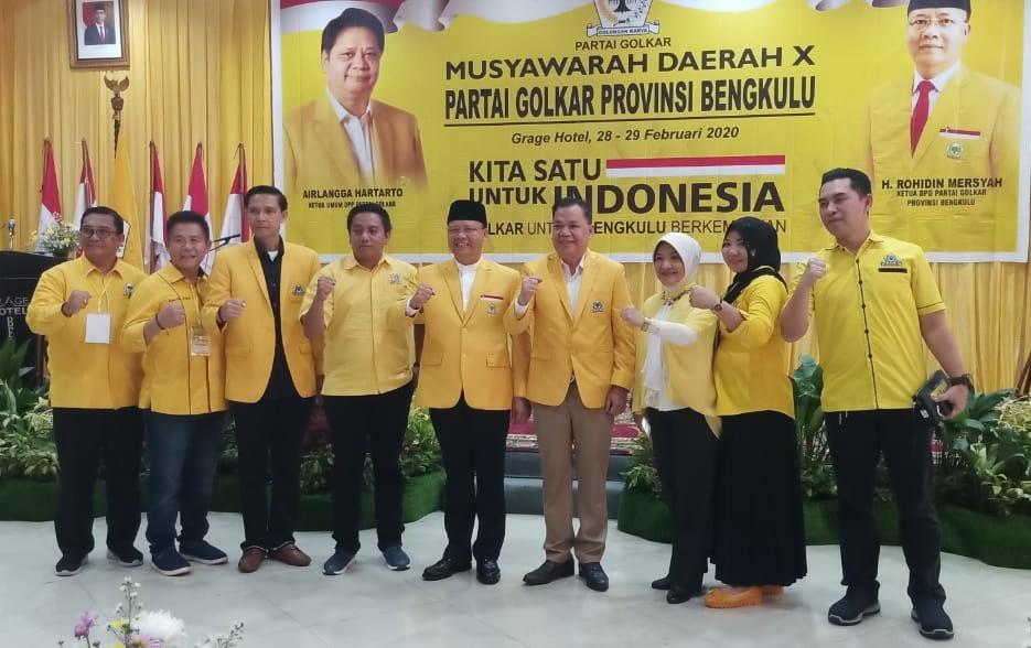 Photo of Terpilih Aklamasi, Rohidin Mersyah Kembali Pimpin Golkar Bengkulu