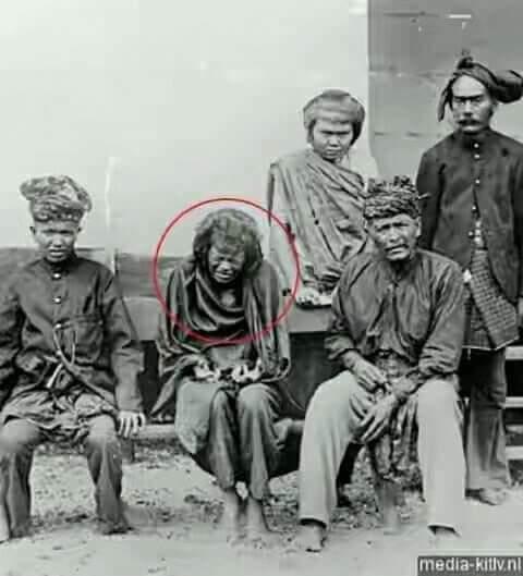 """Photo of Tjoet Nyak Dhien  """"The Queen of Aceh Battle"""""""