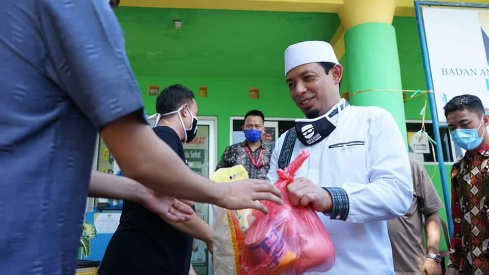 Photo of Pemkot Bengkulu dan KSP Sahabat Mitra Sejati Bagikan 10.000 Paket Sembako