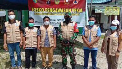 Photo of Wujud Kepedulian Kades Bersama Babinsa Rangan Tate Berikan Tali Asih Ke Warga Isolasi Mandiri