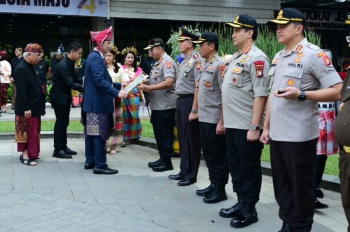 Photo of Menteri PUPR Berikan Penghargaan Kepada Kapolda Lampung