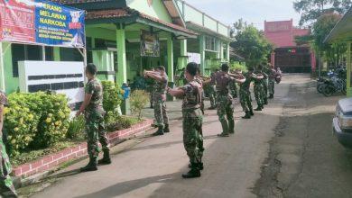 Photo of Jaga Imunitas Tubuh Anggota Koramil 05/Mayong Berolahraga Dan Berjemur